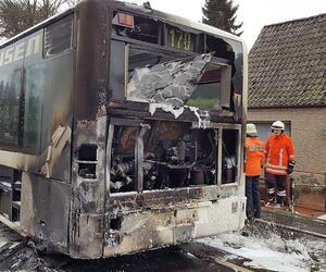 Fahrgäste retten sich aus brennendem Linienbus