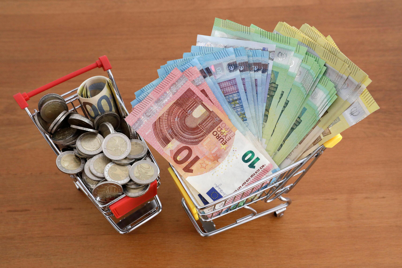 Bild zu Geldscheine und Münzen