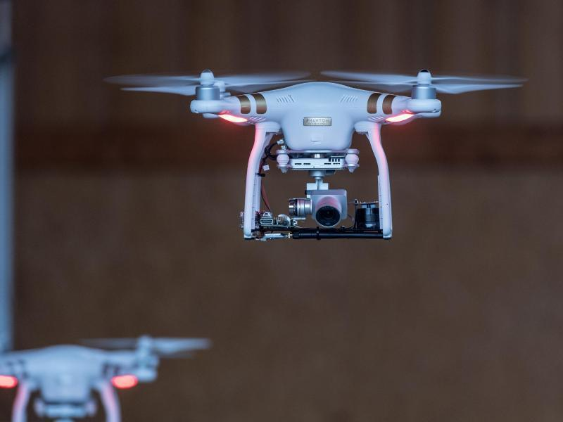 Bild zu Roboter sollen Arbeit erleichtern