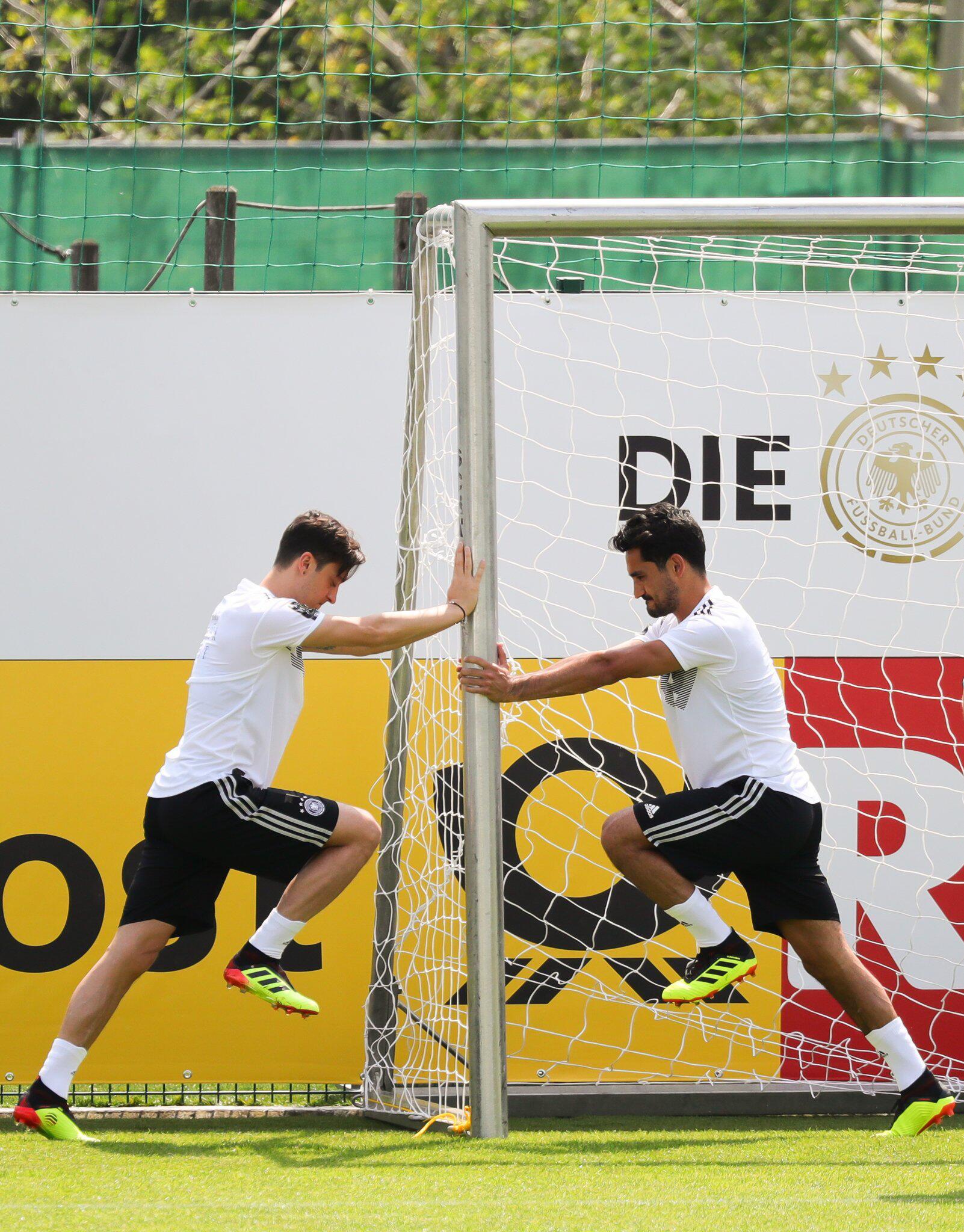 Bild zu WM 2018 - Özil und Gündogan