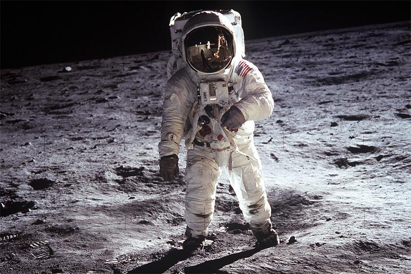 Bild zu Mondlandung
