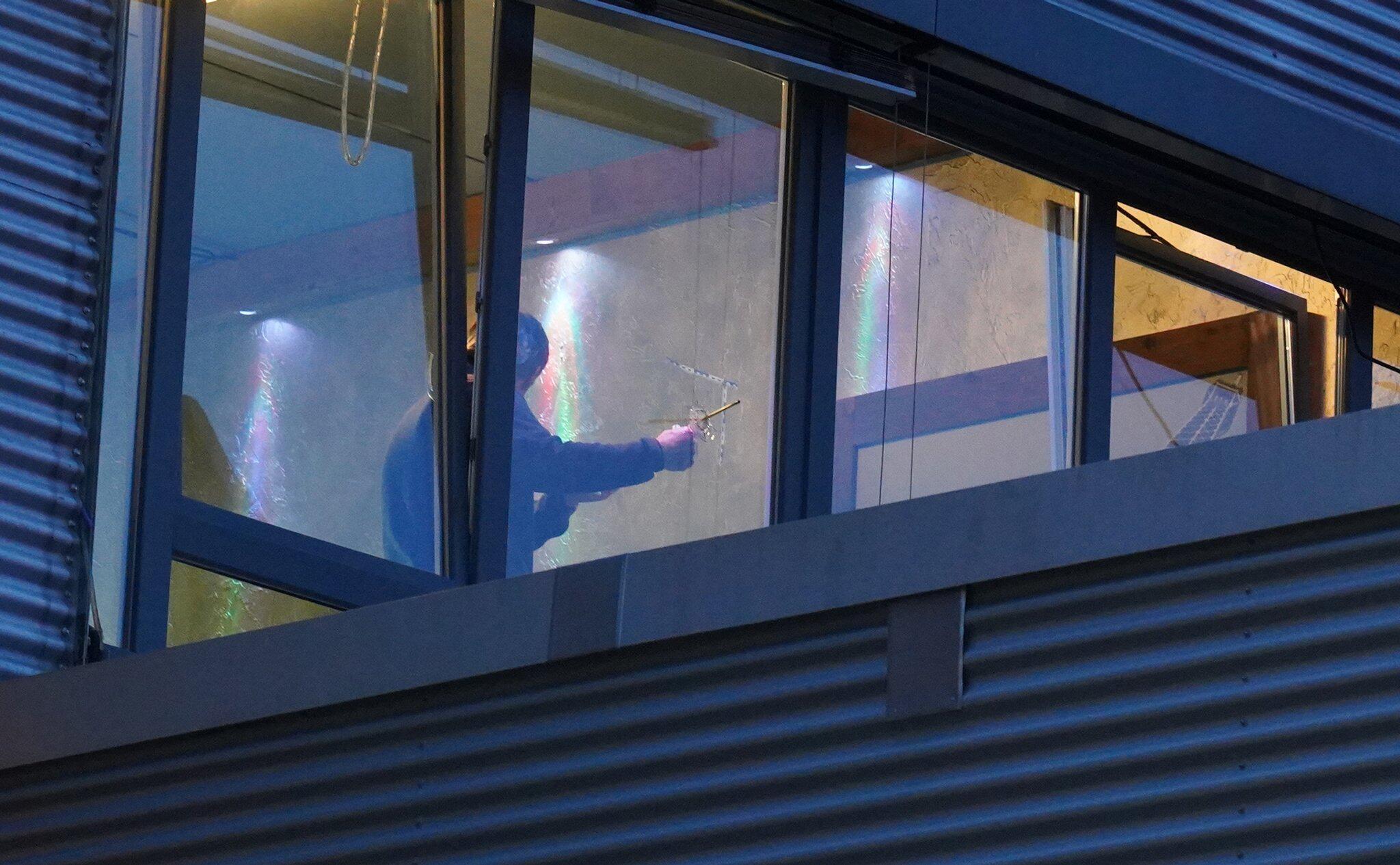 Bild zu Unbekannte schießen auf Fenster vonShisha-Bar inStuttgart