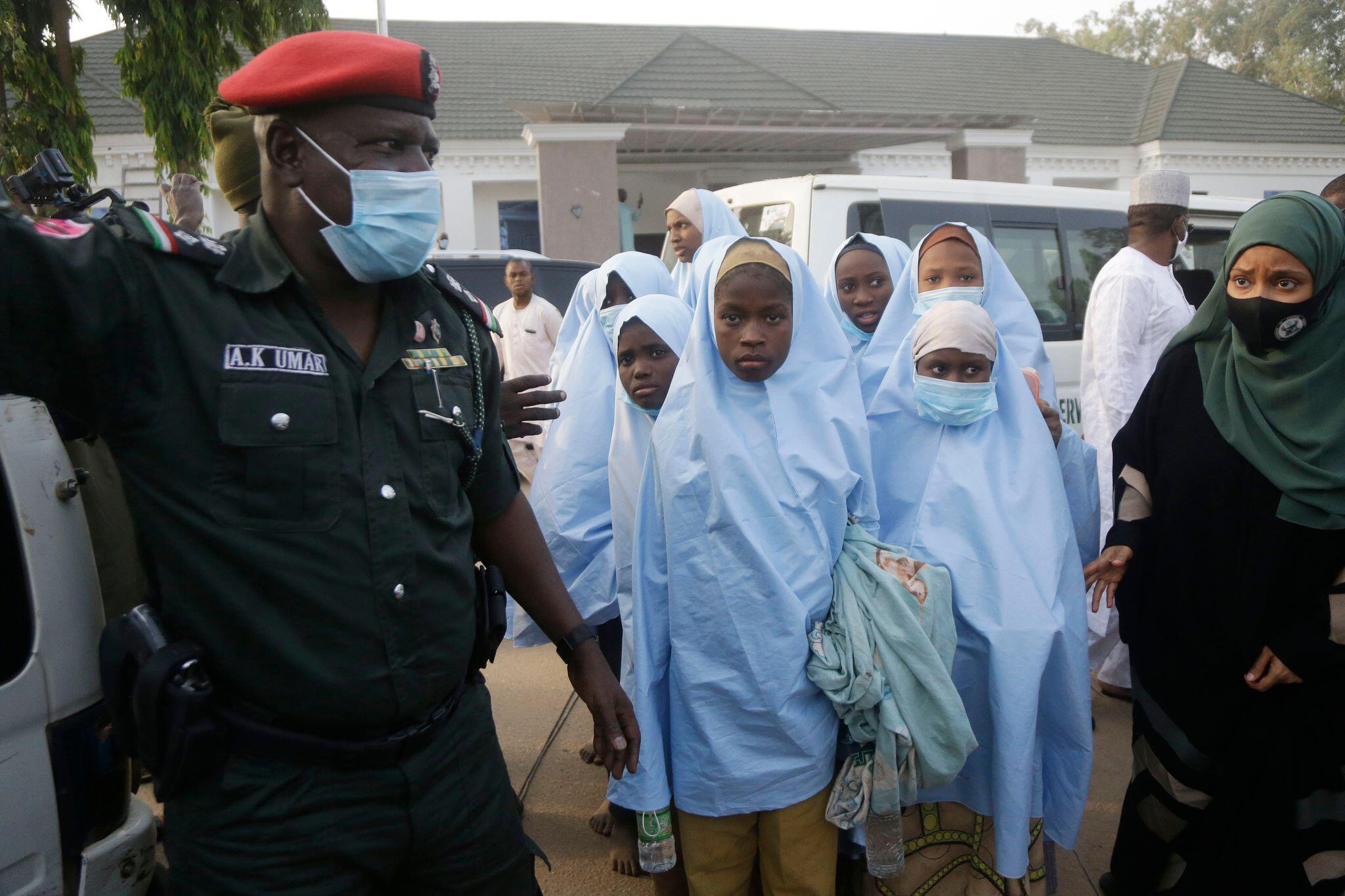 Bild zu Nach der Verschleppung von Schulkindern in Nigeria