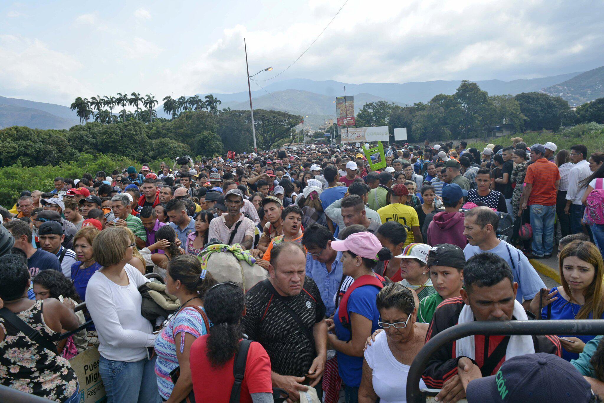Bild zu Krise in Venezuela - Grenze zu Kolumbien