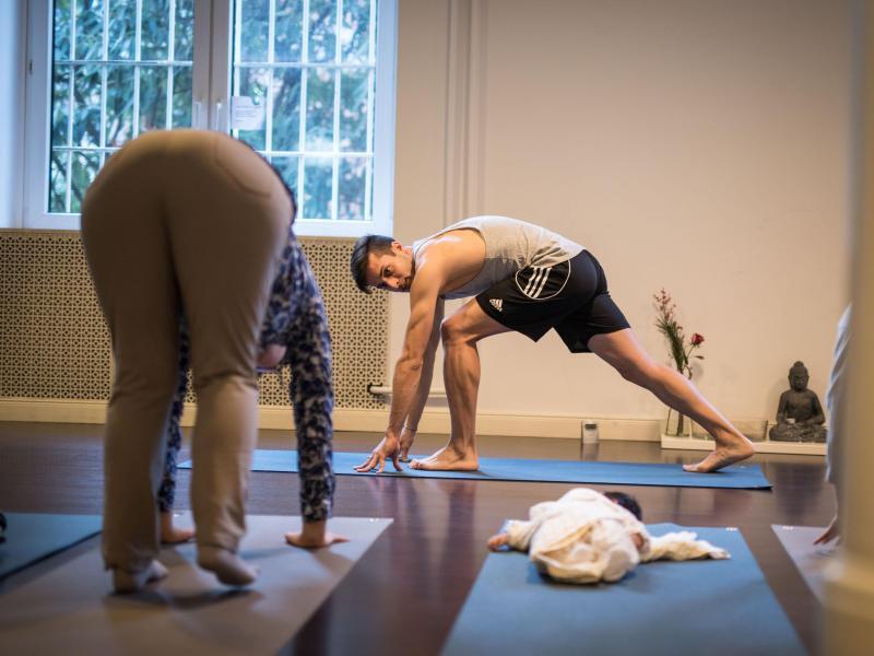 Bild zu Yoga-Übungen