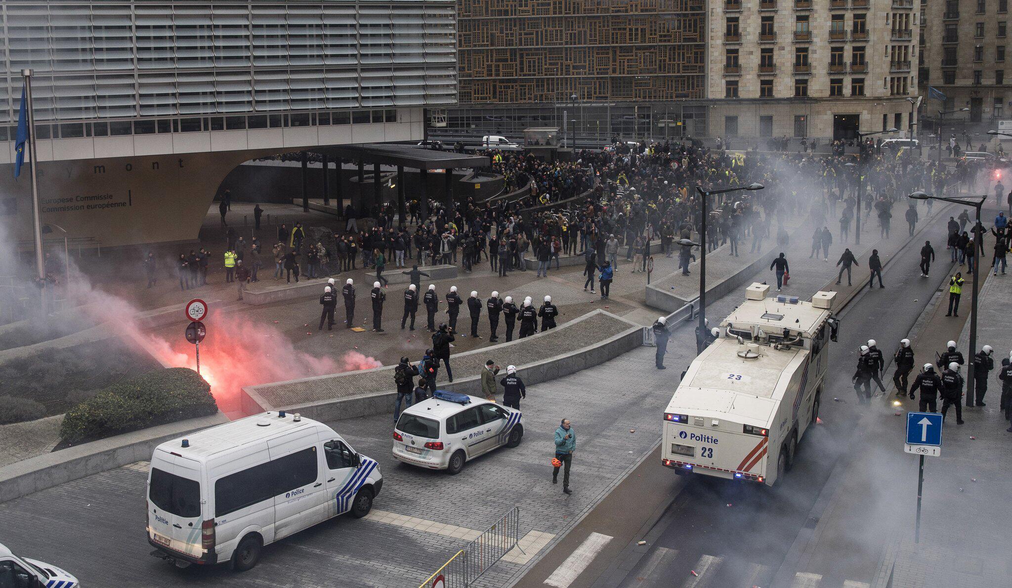 Bild zu Gewalt nach rechter Demonstration in Brüssel