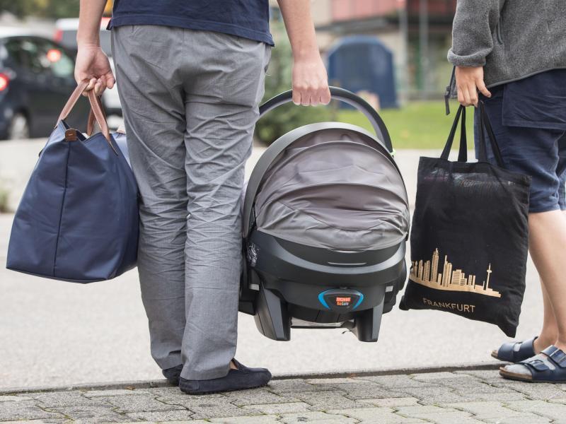 Bild zu Unterwegs mit Baby