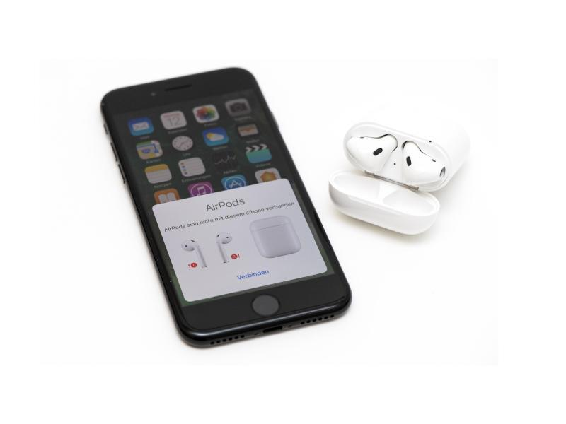 Bild zu Apple iPhone 7 mit AirPods