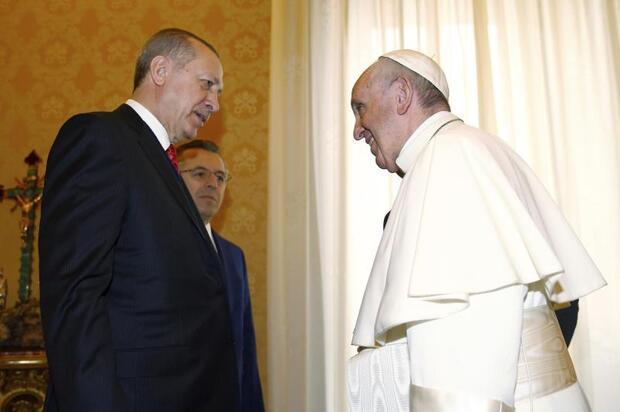 Bild zu Papst empfängt Erdogan