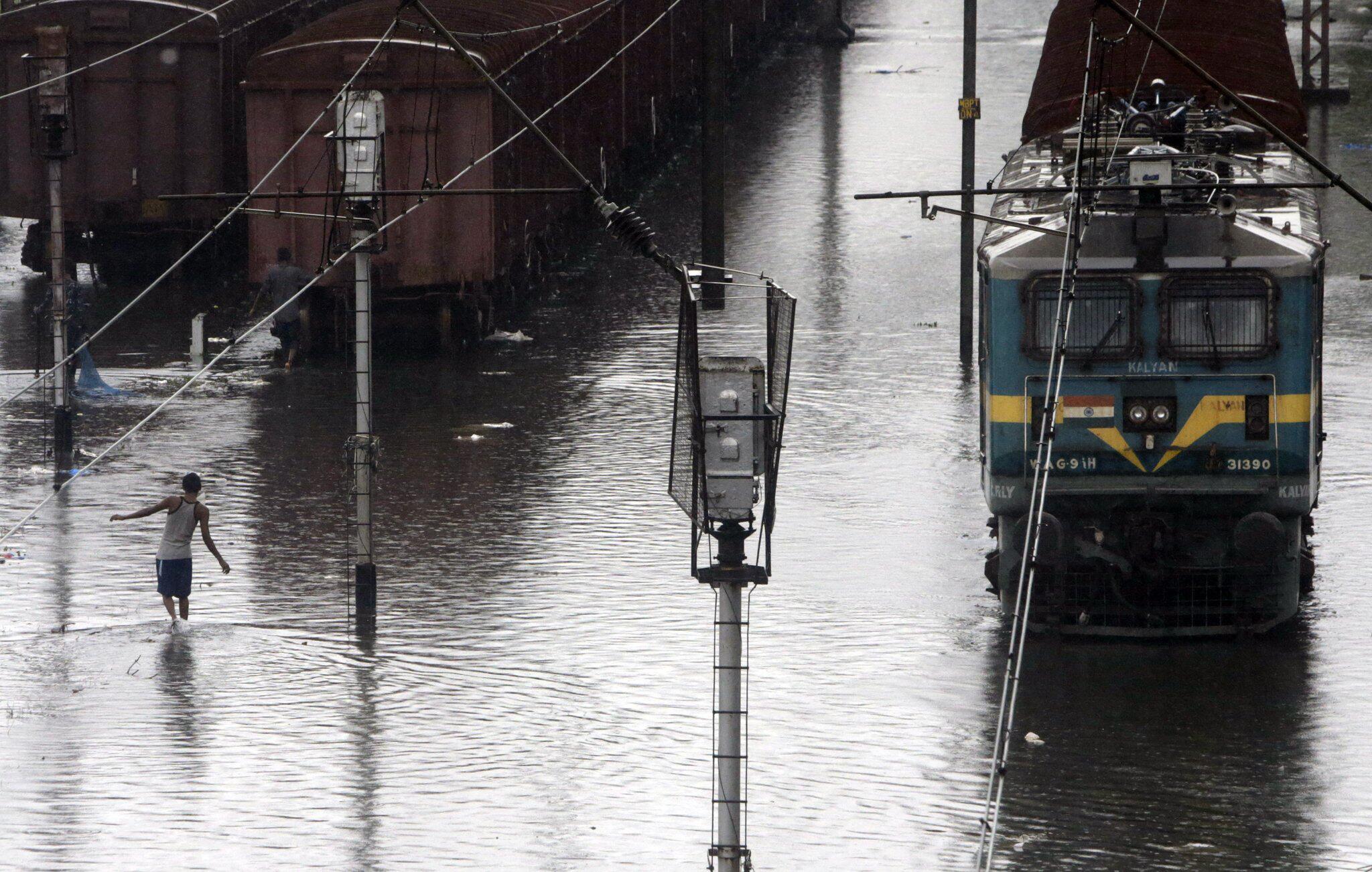 Bild zu Monsun, Indien, Mumbai, Regen, Wassermassen