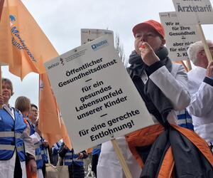 Mediziner von Gesundheitsämtern demonstrieren