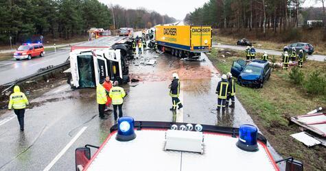 Drei Tote bei Unfall auf der A24