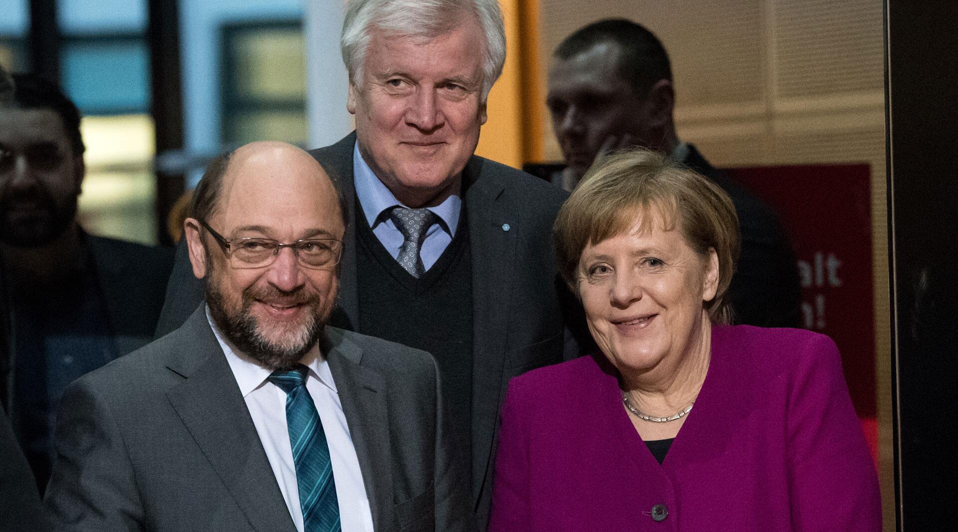 Bild zu Coalition talks between SPD, CDU and CSU, Angela Merkel, Horst Seehofer, Martin Schulz