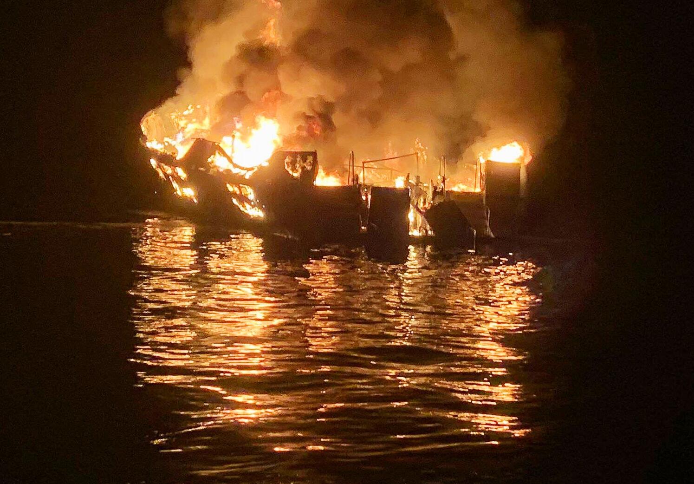 Bild zu Bootsbrand in Kalifornien