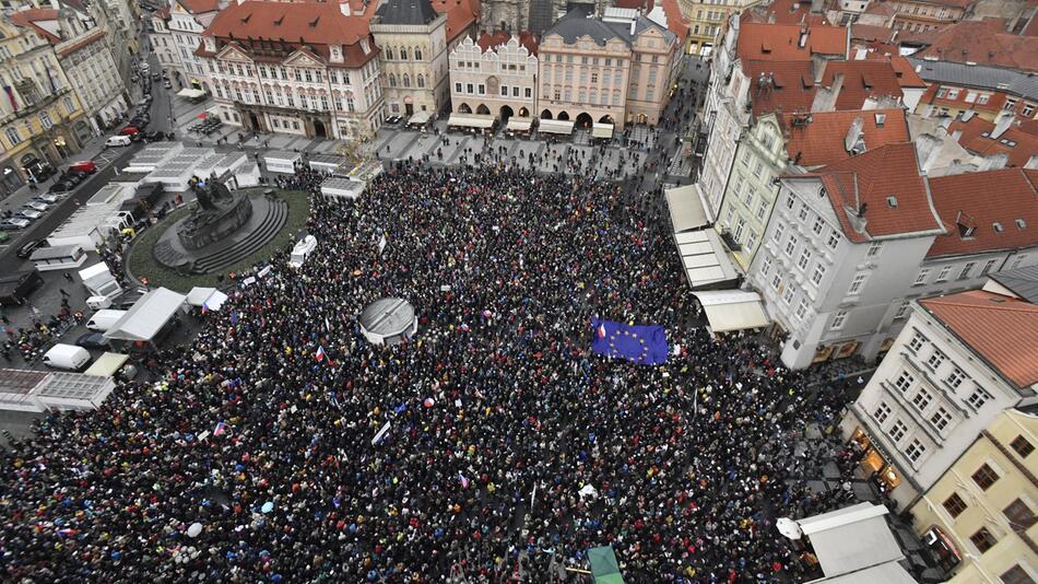 Proteste in Tschechien für unabhängige Justiz