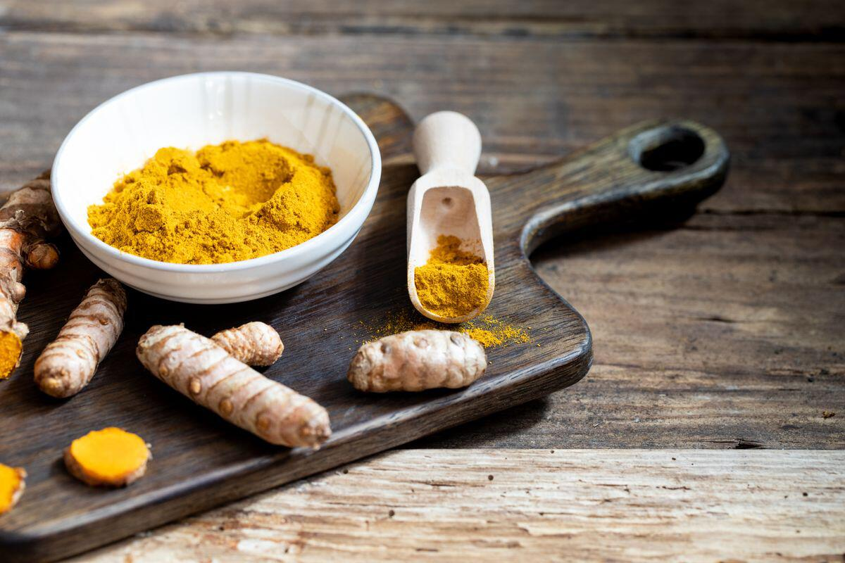 Bild zu Kurkuma, Gewürz, Wundermittel, Kochen, Rezepte, goldene Milch, Vitamine, Heilmittel