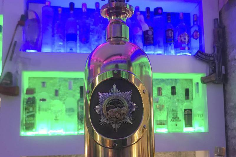 Bild zu Wodka-Flasche