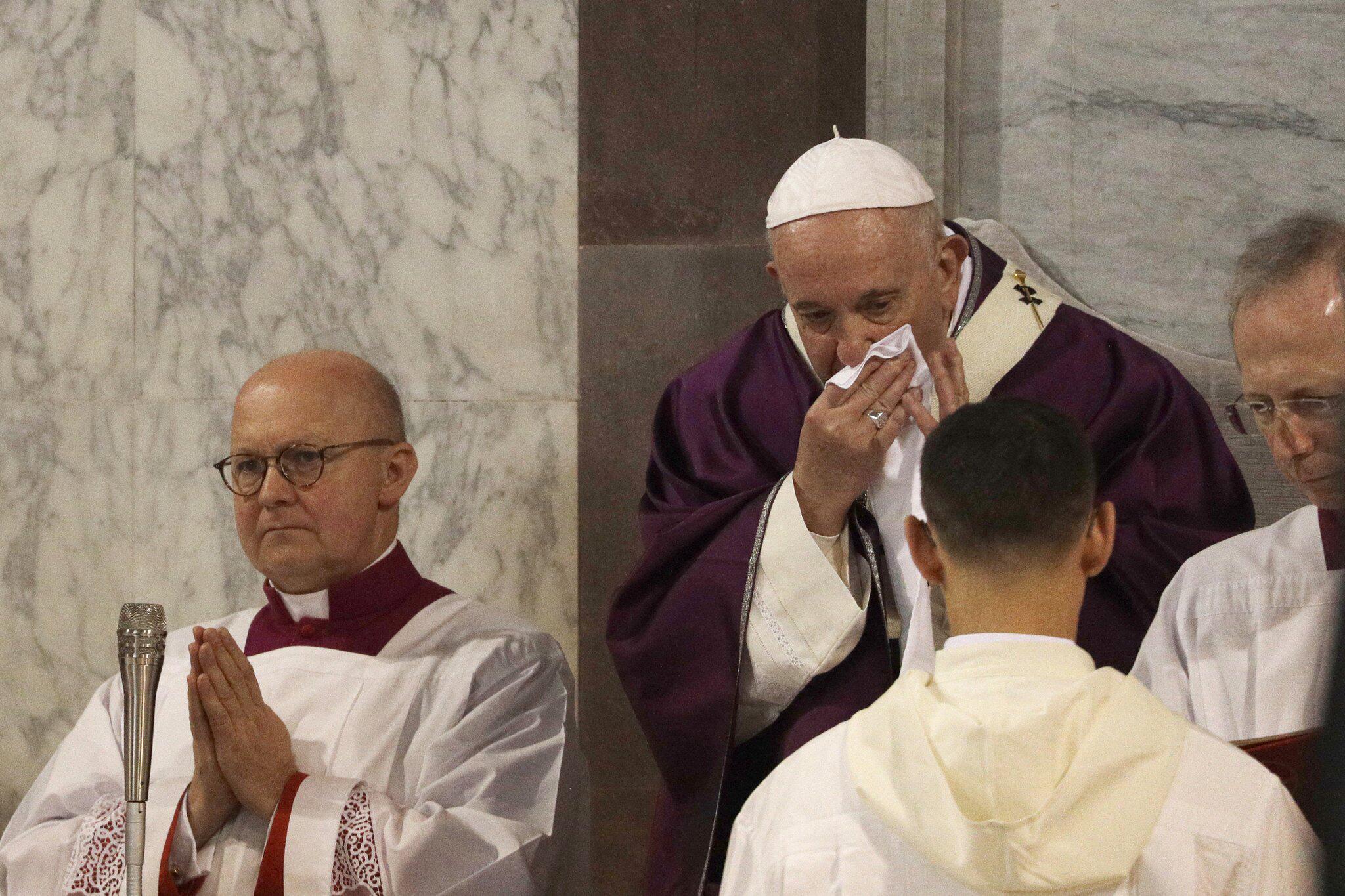 Bild zu Papst sagt Termin ab