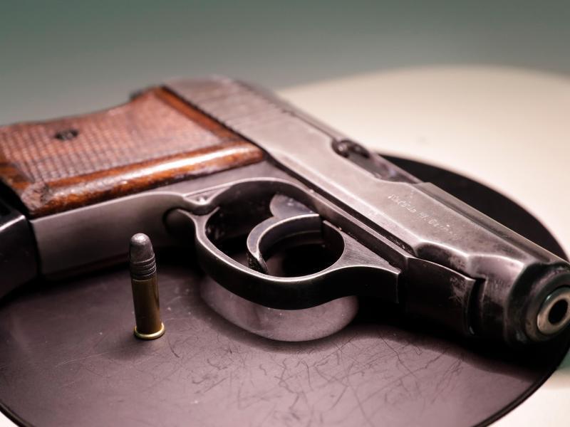 Bild zu Amris Pistole