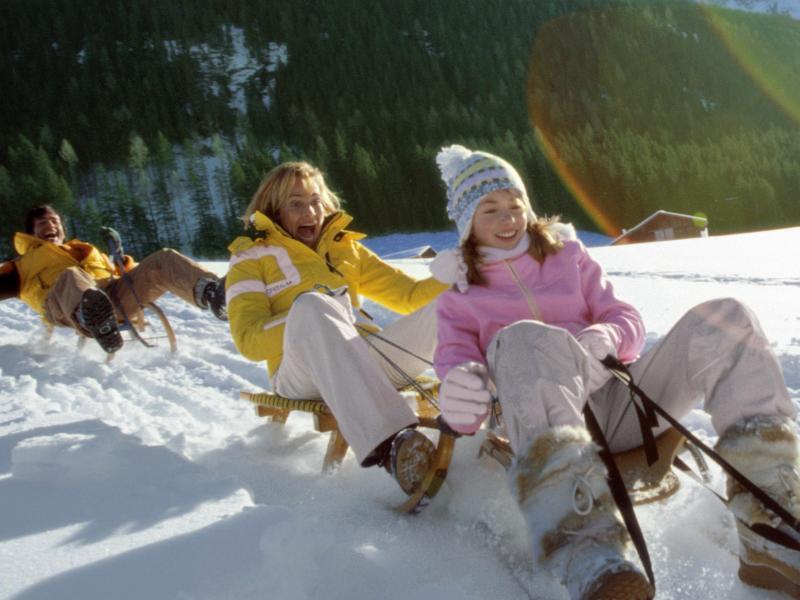 Bild zu Schlittenfahrt im hohen Schnee
