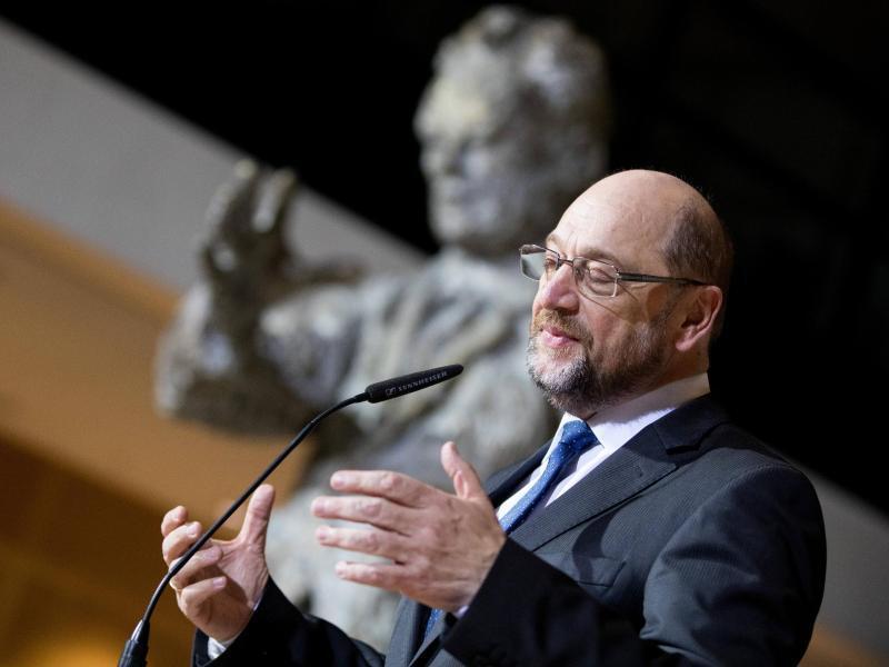 Bild zu Schulz gibt Rücktritt bekannt