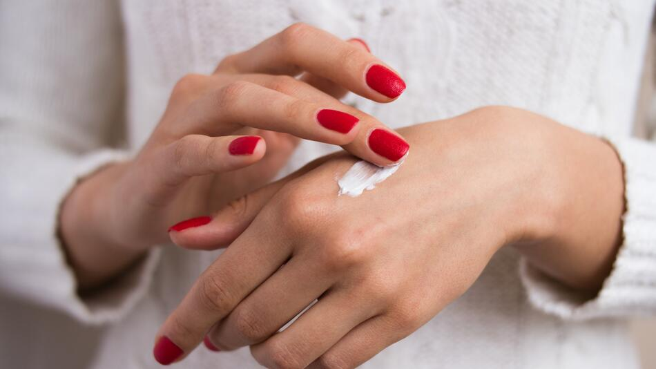 kosmetik, handcreme, trockene hände, pflege, handcreme mit urea, naturkosmetik