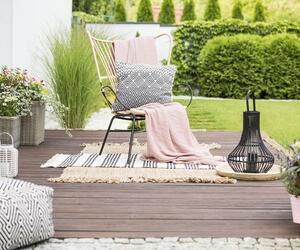 Tschüss Wintermief! So bringen Sie Balkon, Terrasse und Garten wieder auf Vordermann