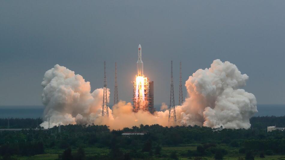 China weist Gefahr durch herabfallende Raketentrümmer zurück