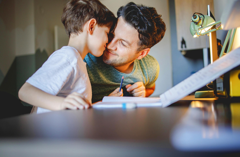 Bild zu Homeschooling, Tipps, Lockdown, Eltern, Kinder, Corona