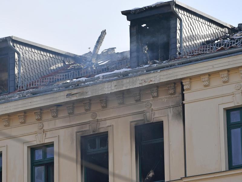 Bild zu Brand in Mehrfamilienhaus