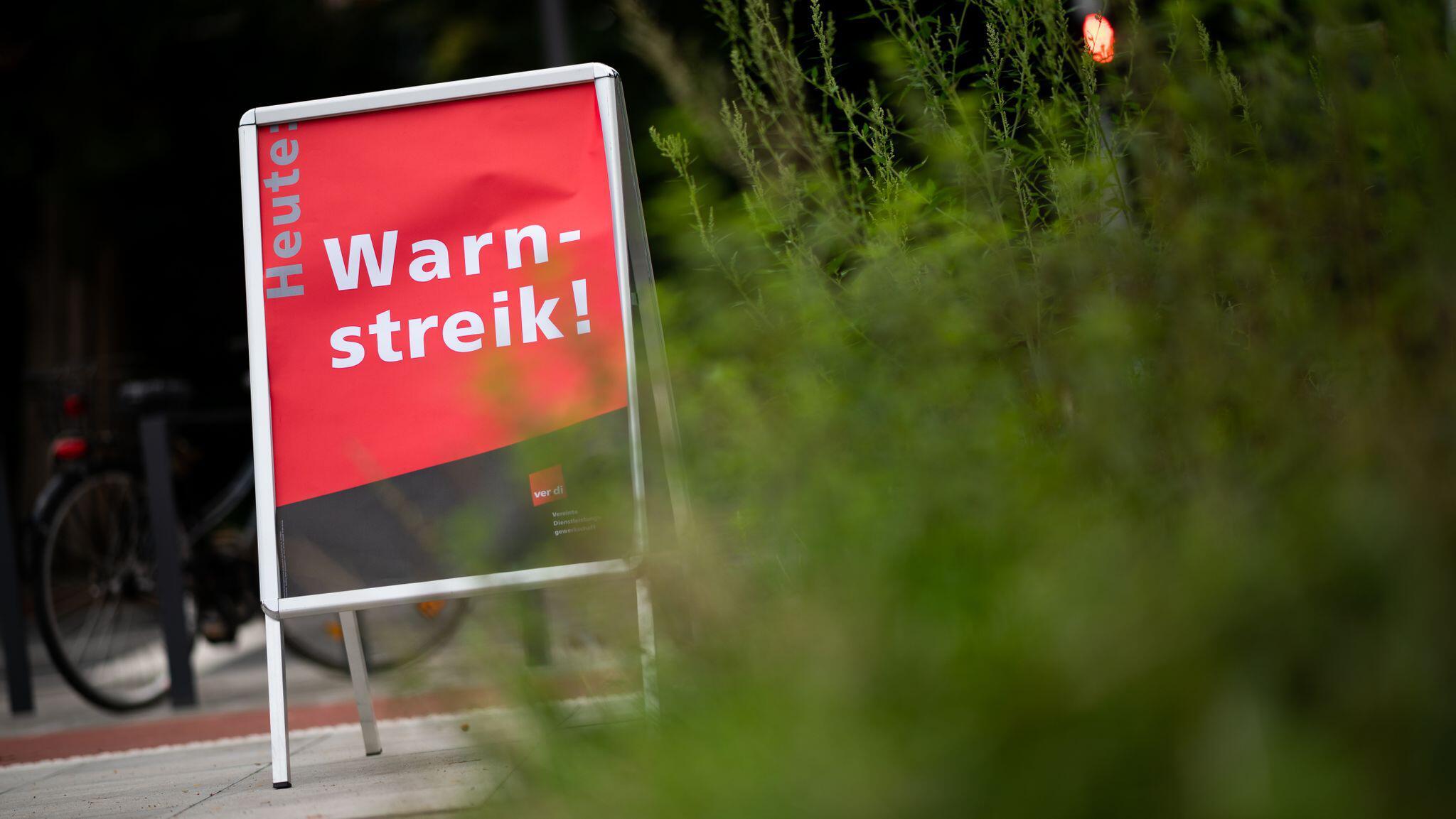 Bild zu Warnstreik Küchen- und Reinigungspersonal in Elbkinder-Kitas