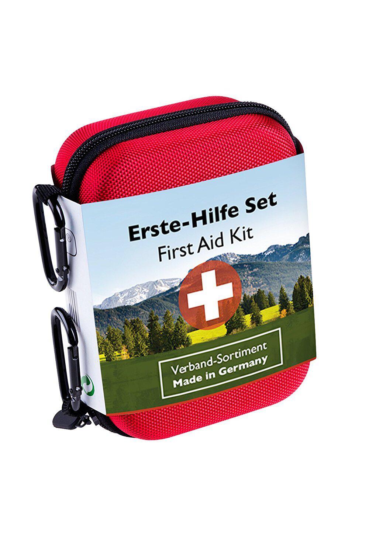 Ein Erste-Hilfe-Set hilft bei kleineren Verletzungen.