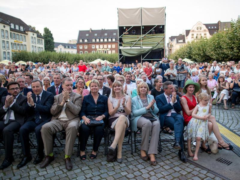 Bild zu 70 Jahre NRW