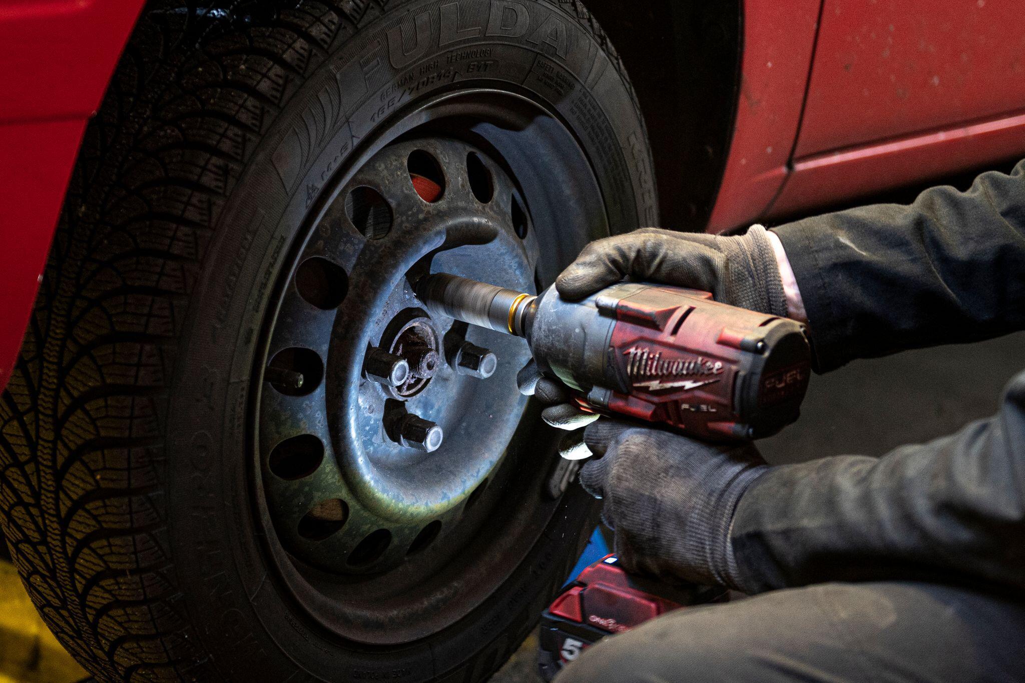 Bild zu Corona-Krise macht den Reifenwechsel schwierig