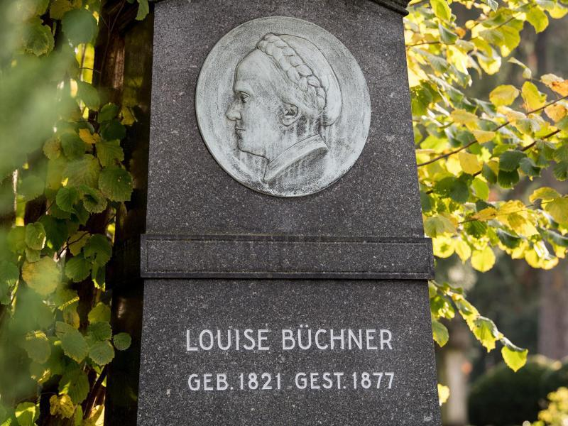 Bild zu Grabstein von Luise Büchner