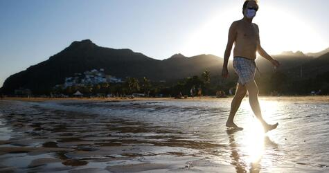 Coronavirus - Touristen auf den Kanaren
