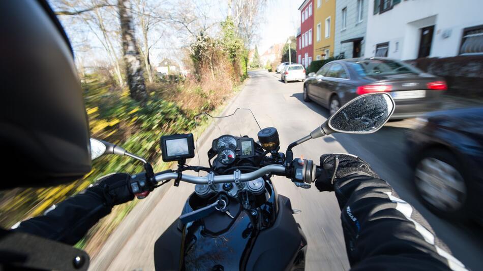 Streitthema Motorradlärm spaltet Deutschland