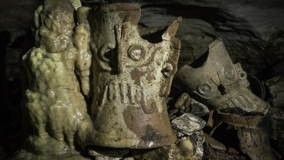 Mehr als 1000 Jahre alte Opfergaben in Chichen Itza entdeckt