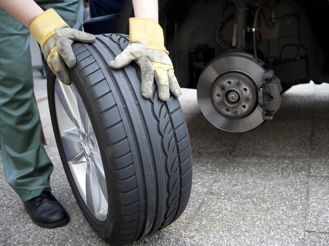 Bild zu Sägezahnbildung am Reifen: Entsteht bei ungleichmäßiger Abnutzung