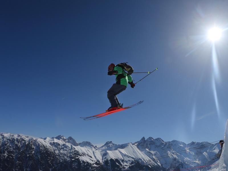 Bild zu Skifahrer auf dem Fellhorn