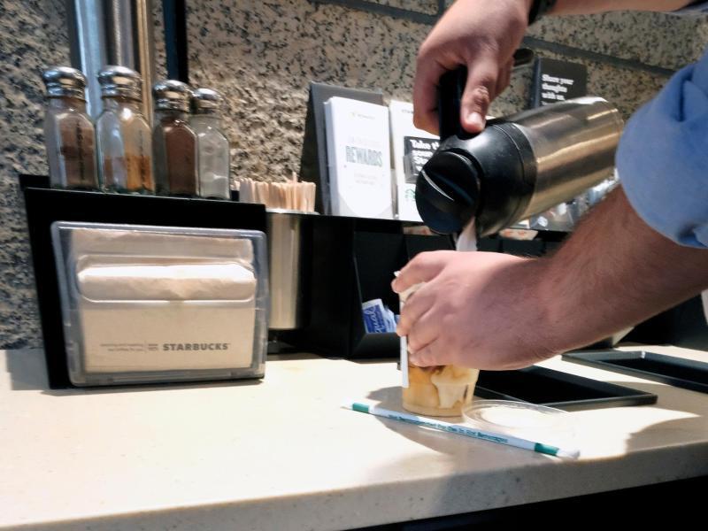 Bild zu Starbucks-Filiale