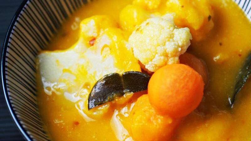 Thai-Curry mit Blumenkohl und Kürbis