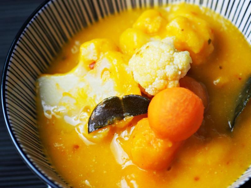 Bild zu Thai-Curry mit Blumenkohl und Kürbis
