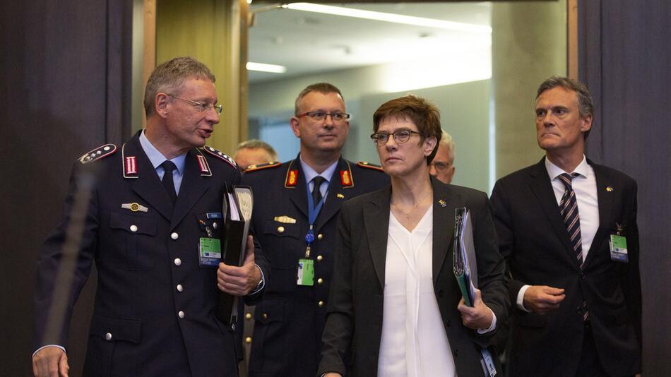 Nato-Verteidigungsministertreffen