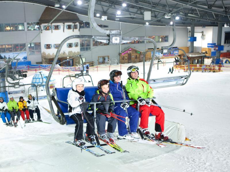 Bild zu Sessellift in der Skihalle Neuss