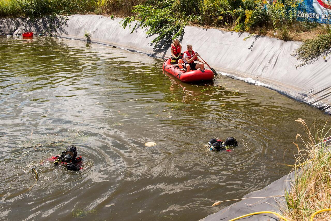 Bild zu Zwei Kinder in Regenrückhaltebecken gefallen