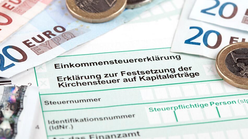 steuererklärung, steuern, finanzen, finanzamt, online-tools, elster, sparen, rückerstattung