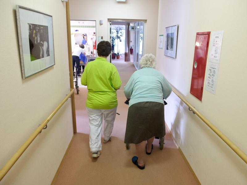 Bild zu Pflegekräfte in der Altenpflege