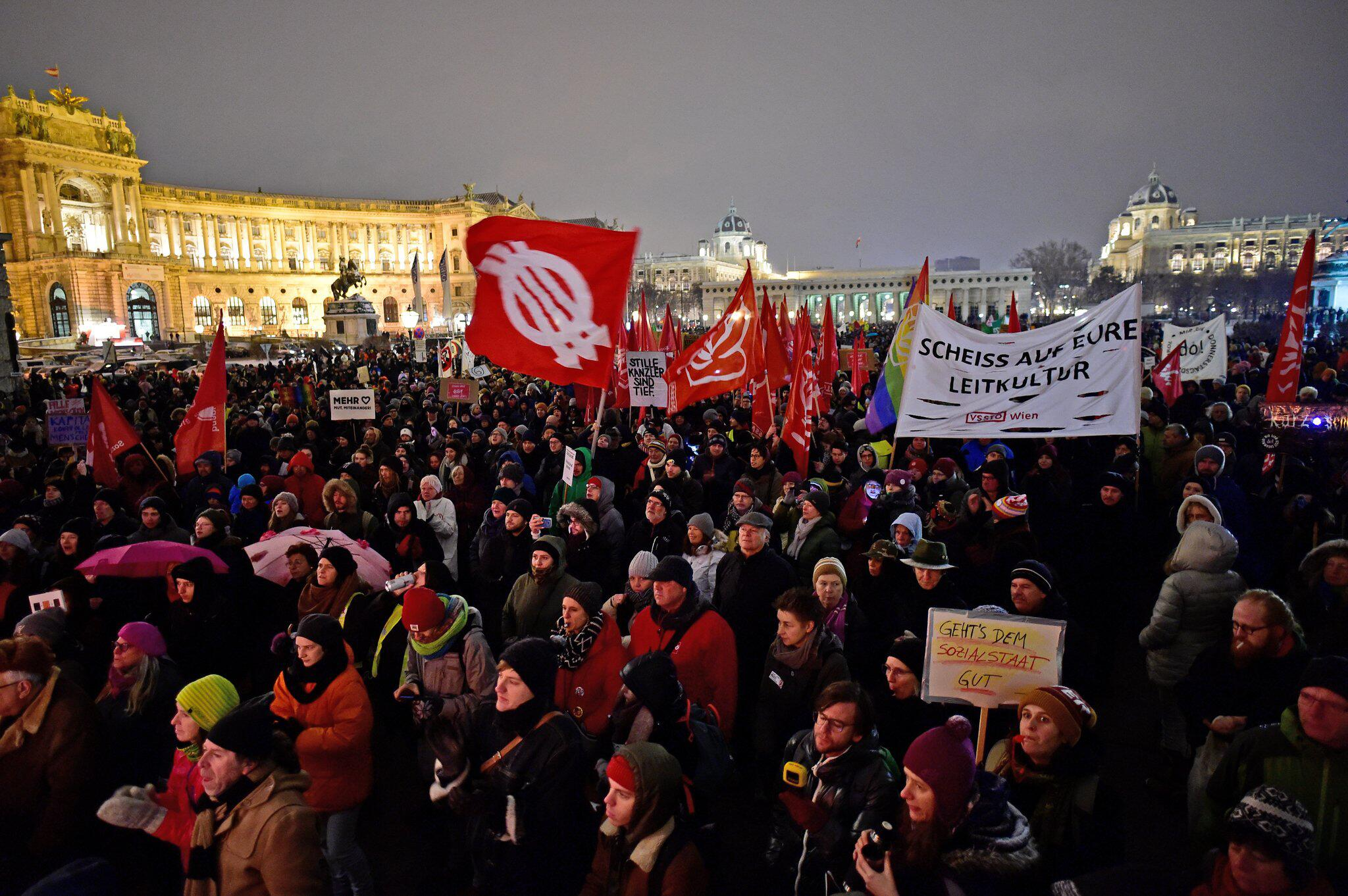 Bild zu Demonstration in Wien