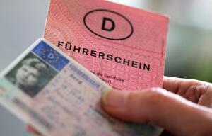 Bundesrat berät Plan zum Umtausch von Führerscheinen